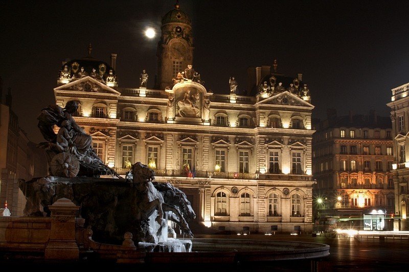Lyon, place des Terreaux Fontaine